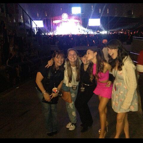 File:Ariana with Colleen, Allie, Joan, and Lynn at Wango Tango.jpg