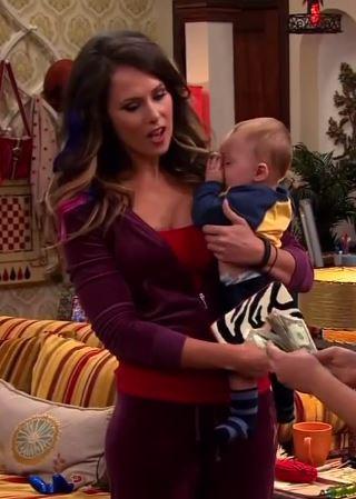File:Melinda in Cat's apartment.jpg