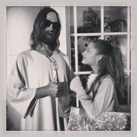 File:Ariana and Jesus.jpg