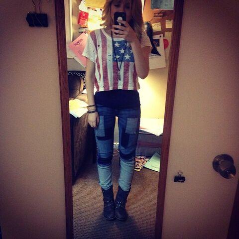 File:Jennette's Sam outfit June 10, 2013.jpg