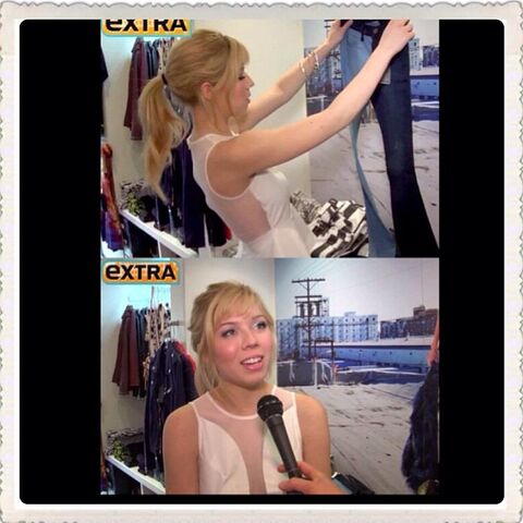 File:Jennette checking out clothing by FrankieBJeans May 30, 2013.jpg