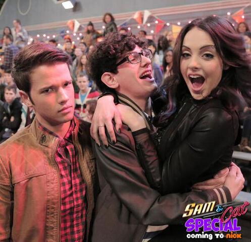 File:Jade, Robbie, and Freddie.jpg