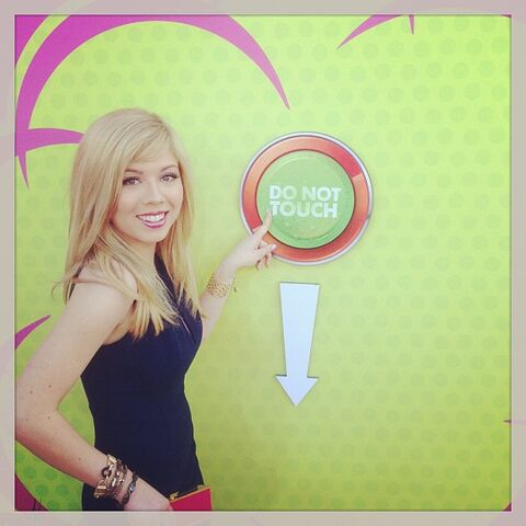 "File:Jennette and the KCA ""Do Not Touch"" button.jpg"
