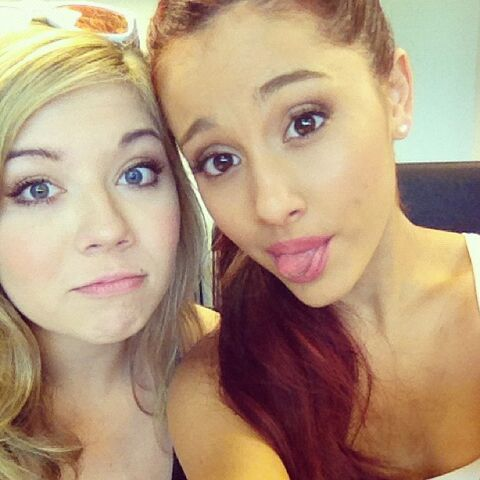 File:Jennette and Ariana on their second day of filming Swindle.jpg