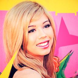 File:Jennette March 29, 2013.jpg