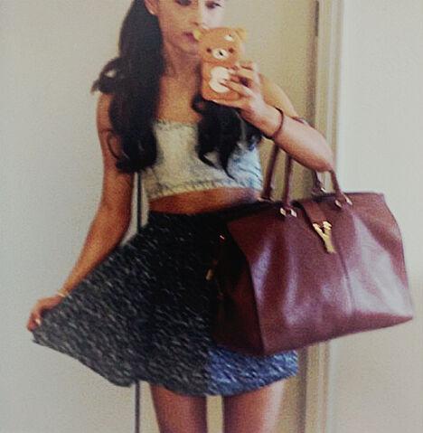 File:Ariana - March 18, 2013.jpg