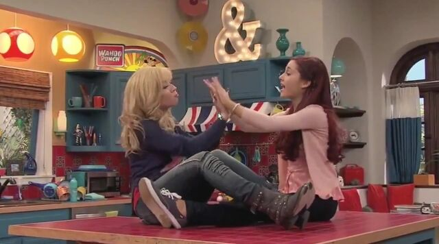 File:Sam and Cat clapping their hands together.jpg