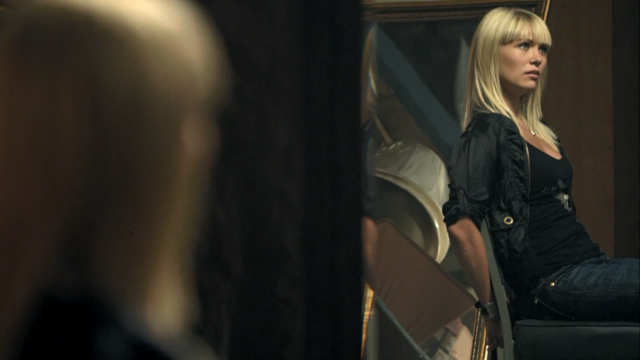 File:1x07 Ashley handcuffed to a metal chair.png