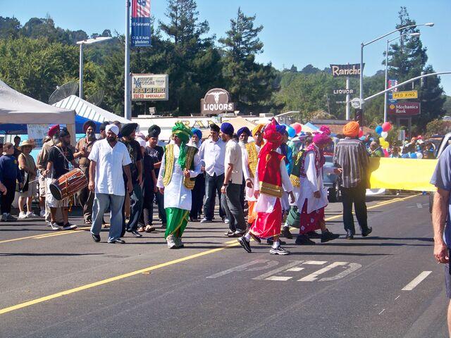 File:Parade17.JPG