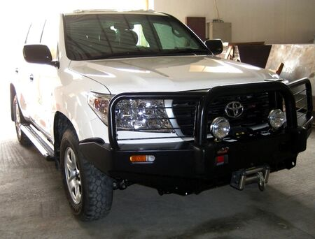 The-Armored-Group-Toyota-Landcruiser-200