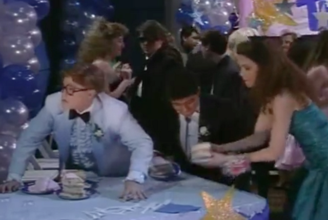 File:The Prom - Alen 2.png