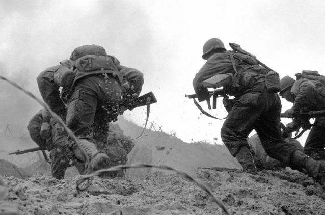 File:SPR D-Day landing -taking the Beach.jpg