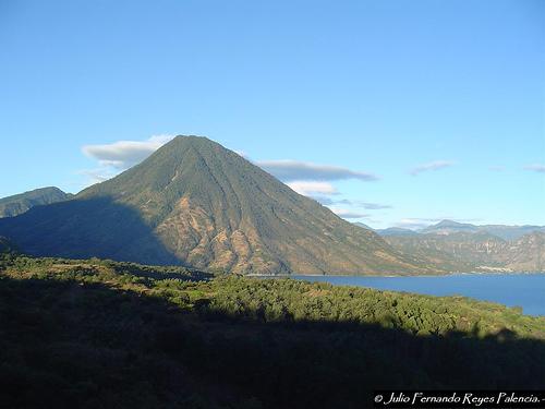 File:El Volcan San Pedro.jpg
