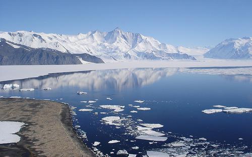 File:Mount Herschel - Cape Hallet, Antarctica.jpg