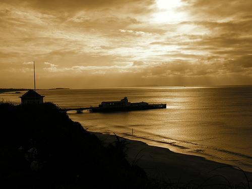 File:Bournemouth Pier.jpg