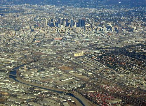 File:Los Angeles - a river runs through it..jpg