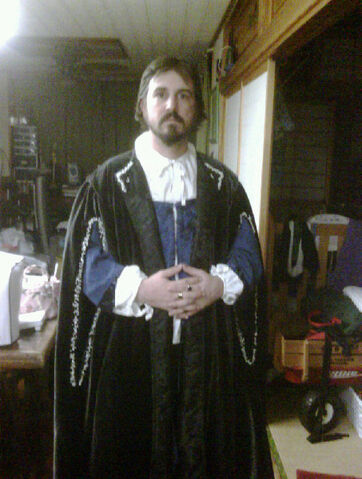 File:Tudor gown.jpg