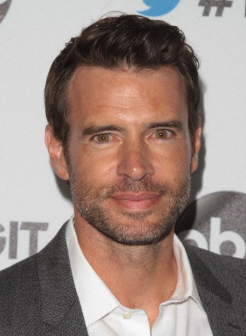File:2014 LA TGIT Premiere Event - Scott Foley 01.jpg
