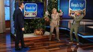 Ellen, Hillary Clinton & Tony Goldwyn Play 'Heads Up!'