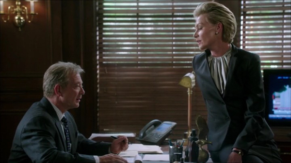File:4x01 - Cyrus Beene and Elizabeth North 05.jpg