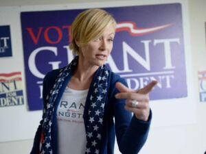 "4x08 - Elizabeth ""Grant for President"" 01"