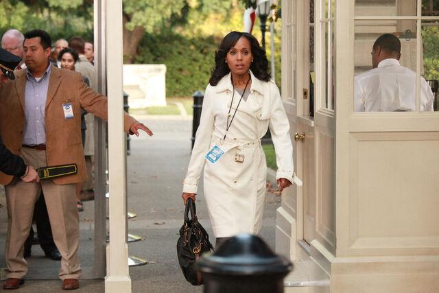 File:Olivia enters house.jpeg