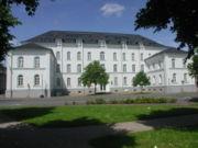 Datei:Gymnasium Adolfinum Bild1.jpg