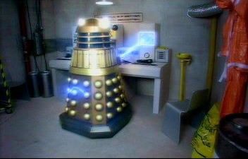File:Dalek regenerates itself.jpg
