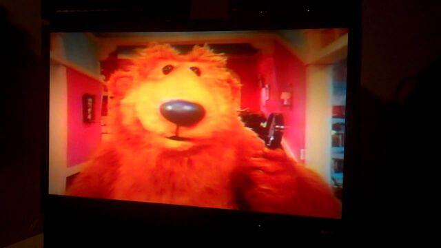File:Bear welcoming us.jpg