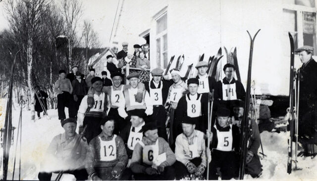 File:Finnfjord Cross country skiing competitors (approx 1930-40).jpg