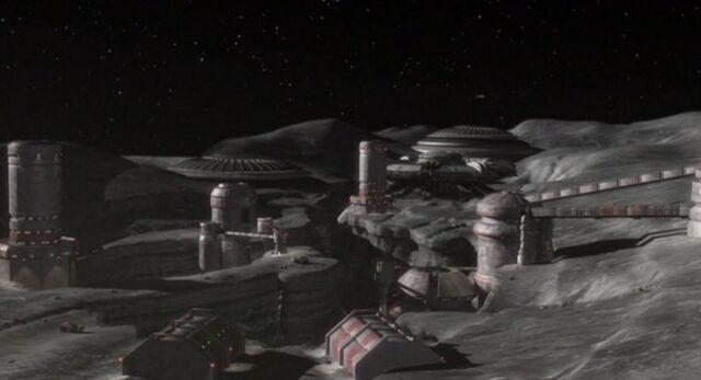 File:LunarSettlement2155.jpg