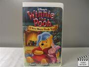 Winnie.the.pooh.a.very.merry.pooh.year.vhs.s.a