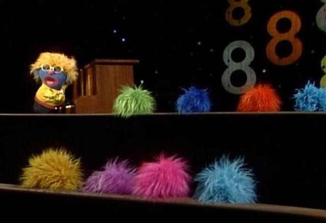 File:8 balls of fur.jpg