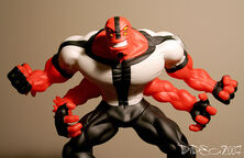 FOUR ARMS!!!