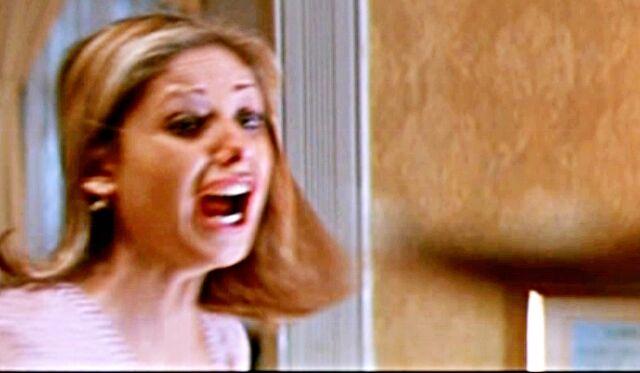 File:Sarah-Michelle-Gellar-Scream-2-horror-movies-26103328-642-374.jpg