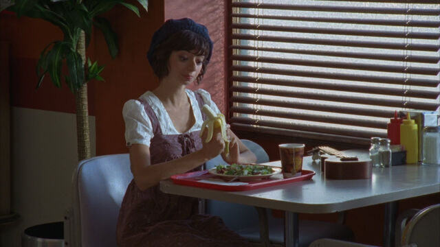 File:8x8 Gooch in cafeteria.jpg