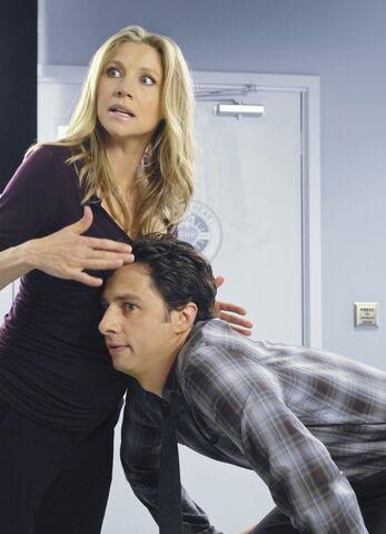 File:9x1 Pregnant Elliot 3.jpg