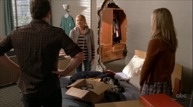 File:9x13 Denise moves in.png