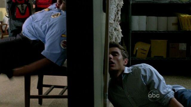 File:9x7 Duncook Cole asleep.jpg