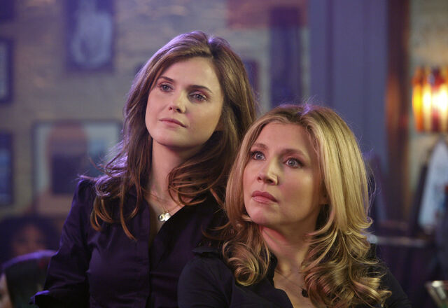 File:6x18 Elliot and Melody 3.jpg