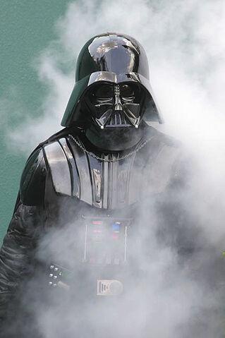File:2007 Disney Weekends -4- Darth Vader.jpg