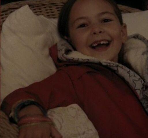 File:TSC 1x08 Beneath Faye In Her Childhood.jpg