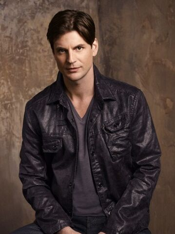 File:518px-The-secret-circle-gale-harold-2.jpg