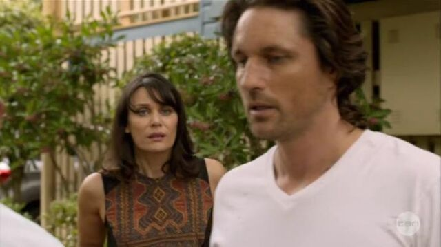 File:Australian Series-1x01-21.jpg
