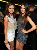 Best-dressed-selena-and-victoria