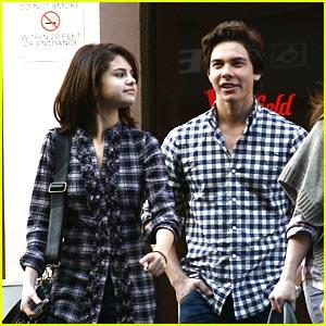 File:Cameron Quiseng and Selena Gomez.jpg