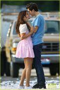 Gomez-on-set-kisses-04