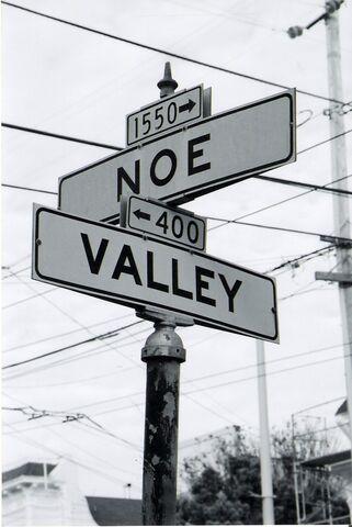 File:Noe Valley Street Signs.jpg