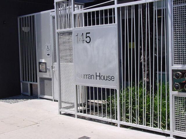 File:Curran House.JPG
