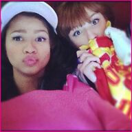 69f8f Bella-Thorne-Zendaya-Coleman-Lunch